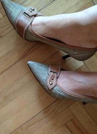 Шикарные удобные туфли на маленьком каблуке, 41