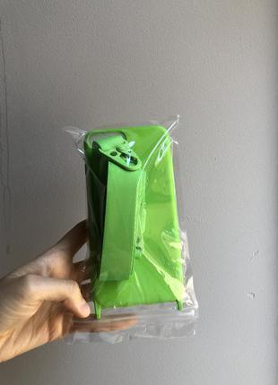Силиконовый чехол с ремешком салатовый неон iphone 8 plus