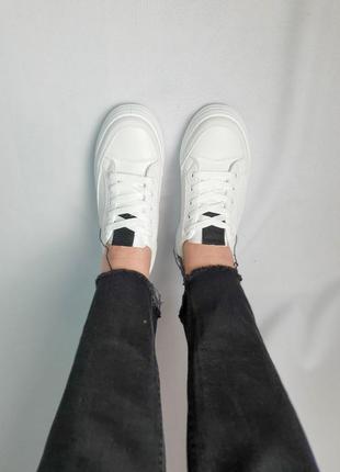 Кроссовки белые маломерят