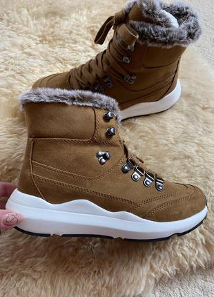 Новые спортивные ботинки j lo jennifer lopes.
