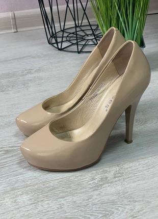 Стильные лаковые туфли на на маленькую ножку erisses