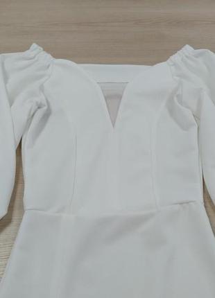 Белое вечернее платье с разрезом2 фото
