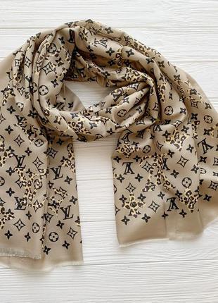 Женский шарф в стиле луи витон