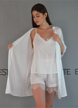 Комплект на утро невесты халат и пижама с кружевом.
