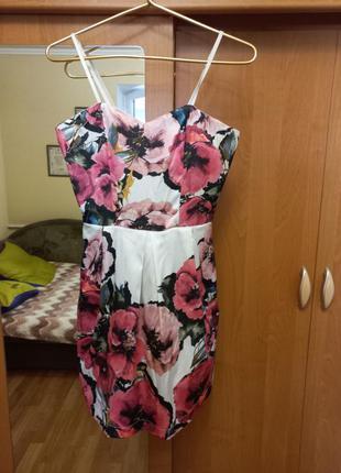 Продам новое платье rinascimento (s)