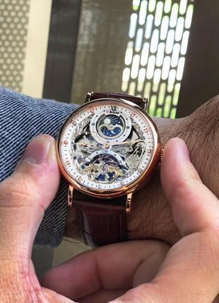 Мужские наручные часы с уникальным циферблатом