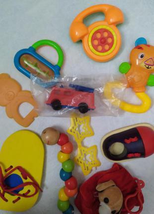 Машинка скорая помощь пластмаса советская/ игрушки пакетом