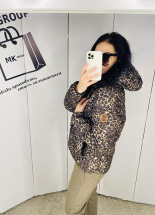 Куртка в моднячий принт розмір л з капішоном ціна 399 грн