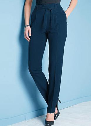 Высокие зауженные синие брюки с поясом р.16