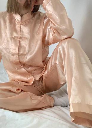 Розовая персиковая пижама secret possessions рожева персикова піжама под шелк бежевая