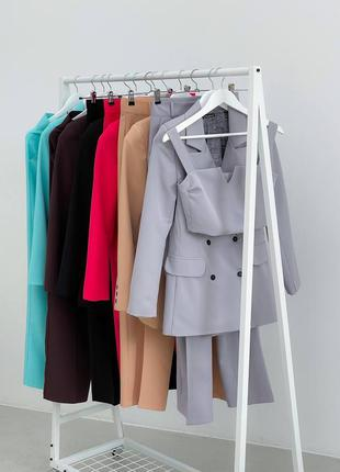 Женский костюм тройка (брюки, пиджак, топ)