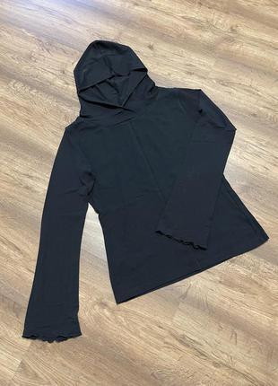 Лонгслив, футболка с длинным рукавом и капюшоном, водолазка, тонкий свитер, рукав немного расклешенный, коттон,на размер xs,s, цвет чёрный