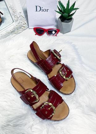 Новые сандали под кожу крокодила 😍