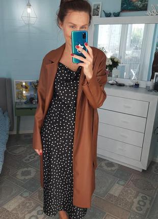 Платье комбинация шелковое с декольте качели черное в горошек миди