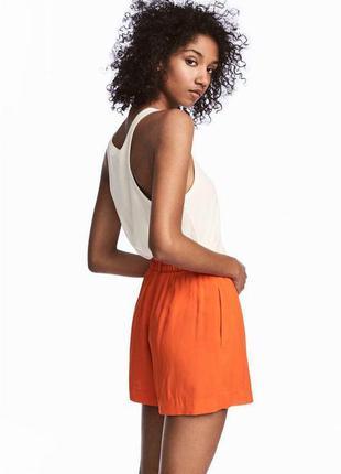 Оранжевые шорты на поясе zara2 фото