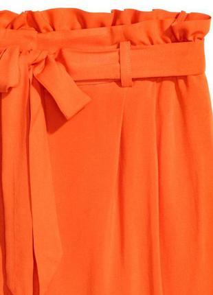Оранжевые шорты на поясе zara3 фото