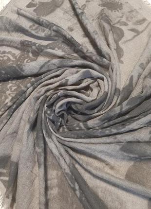 Трендовый шарф палантин / накидка парео / платок2 фото