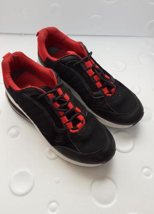 Красовки чёрные спортивные