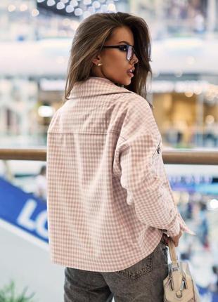 Стильная женская куртка-рубашка с отложным воротником4 фото