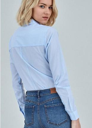 Голубая рубашка приталенная3 фото