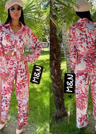 Жіночий костюм в піжамному стилі2 фото