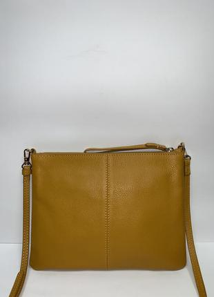 Кожаная фирменная актуальная сумочка на/ через плечо accessorize.