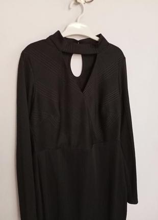 Платье миди с чокером с длинным рукавом3 фото