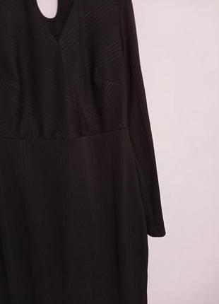 Платье миди с чокером с длинным рукавом5 фото