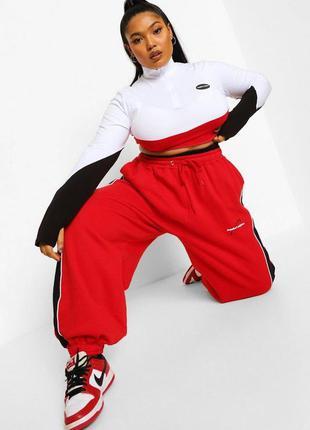 Вільні джоггери великого розміру червоного кольору4 фото