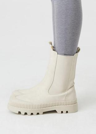 Осінні високі черевики4 фото