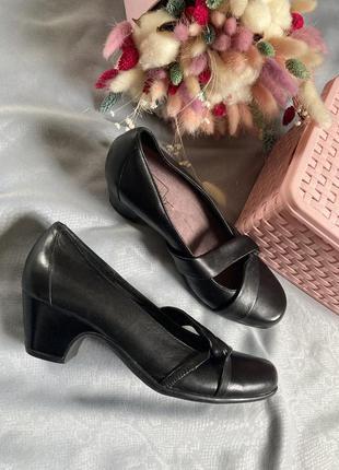 Кожанные  комфортные туфли в стиле zara