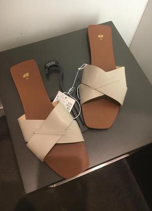 H&m классные трендовые шлёпанцы тапочки шлепки 🌺1 фото