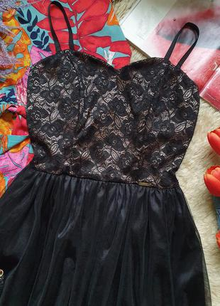 Вечернее фатиновое кружевное платье на тонких бретелях3 фото