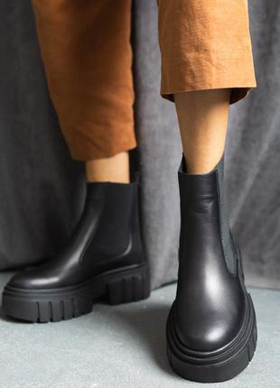 Женские осенние ботинки из натуральной кожи8 фото