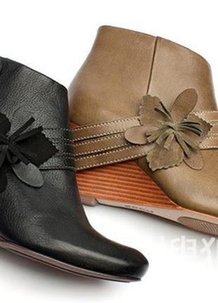 В наличии ecco новенькие классные ботиночки ))1 фото