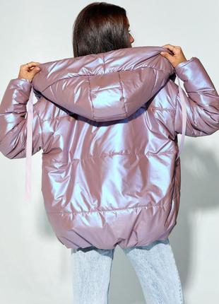 Сиреневая объемная куртка с капюшоном4 фото