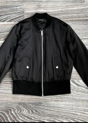 Базовая чёрная куртка бомбер zara1 фото