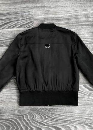 Базовая чёрная куртка бомбер zara2 фото