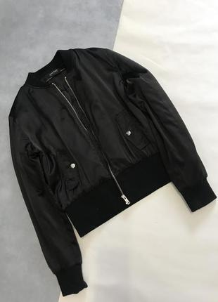 Базовая чёрная куртка бомбер zara3 фото
