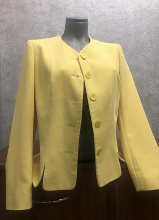 Пиджак желтый alexon