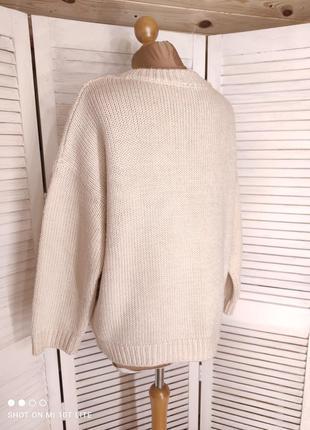 Бежевый свитер с кружевом4 фото
