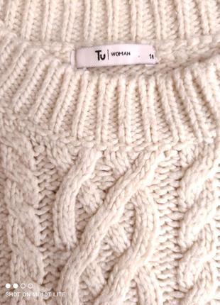 Бежевый свитер с кружевом6 фото