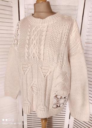 Бежевый свитер с кружевом5 фото