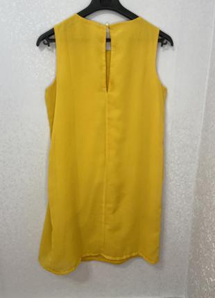 Желтое платье от terranova