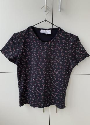 Футболка, футболка в цветочный принт, женственная футболка, стильная футболка.10 фото