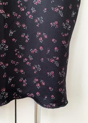 Футболка, футболка в цветочный принт, женственная футболка, стильная футболка.4 фото