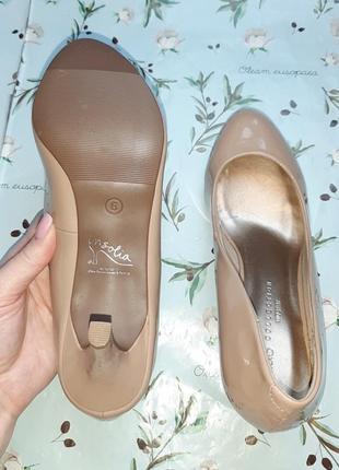🎁1+1=3 шикарные фирменные нюдовые лаковые туфли лодочки marks&spencer, размер 394 фото