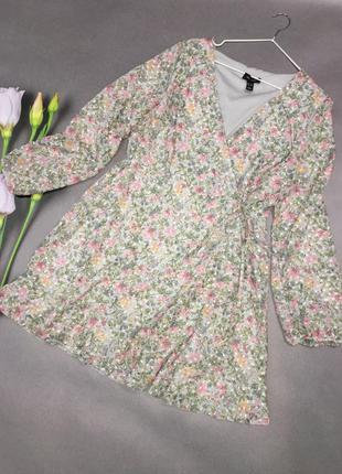 Красивое нежное платье на запах2 фото