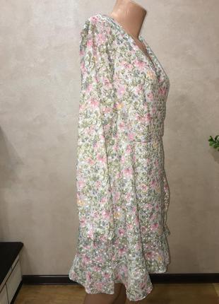 Красивое нежное платье на запах6 фото