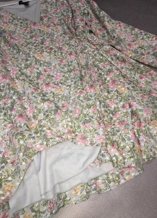 Красивое нежное платье на запах7 фото